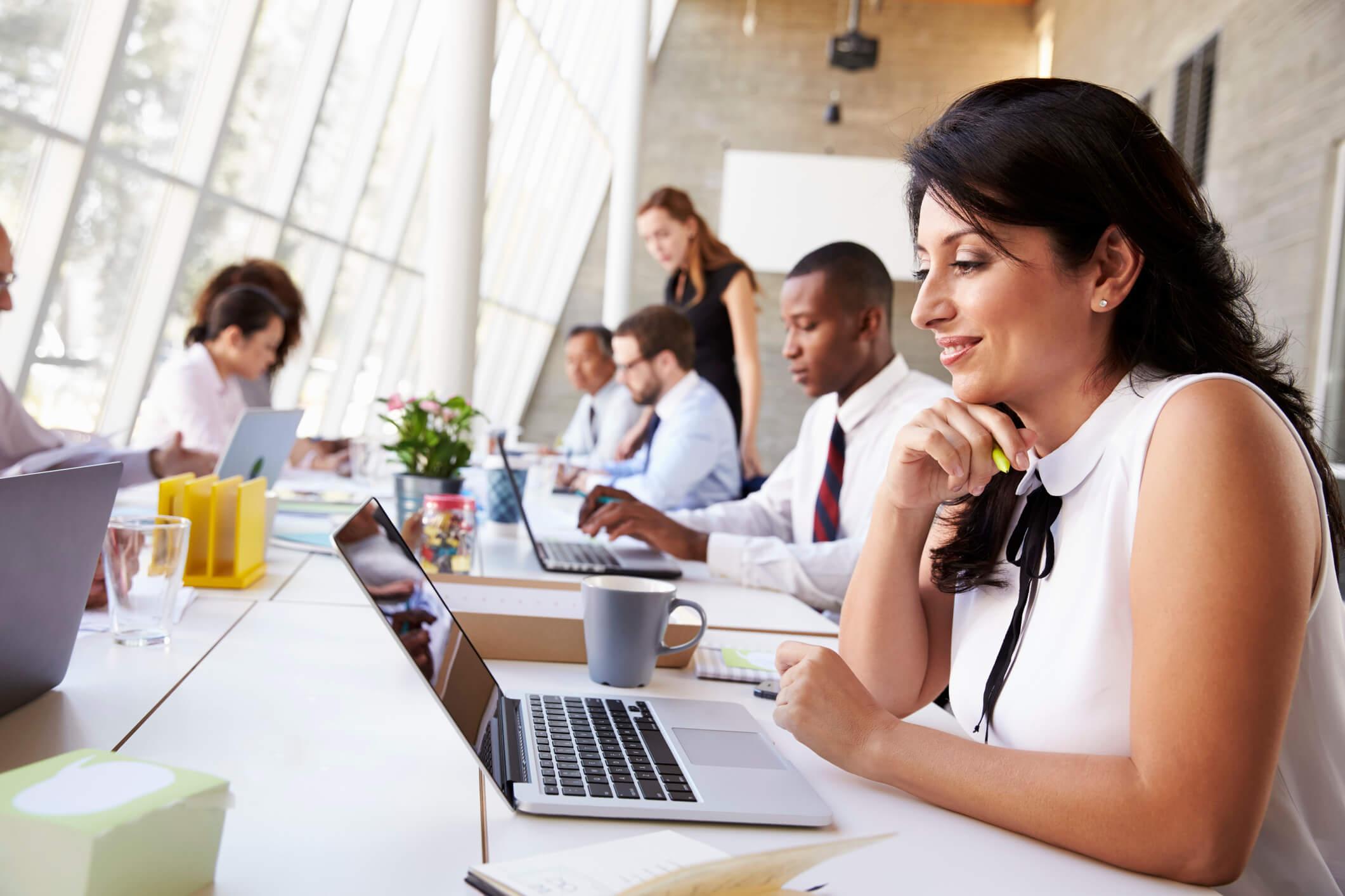 Como uma agência pode auxiliar na tarefa de qualificar leads?
